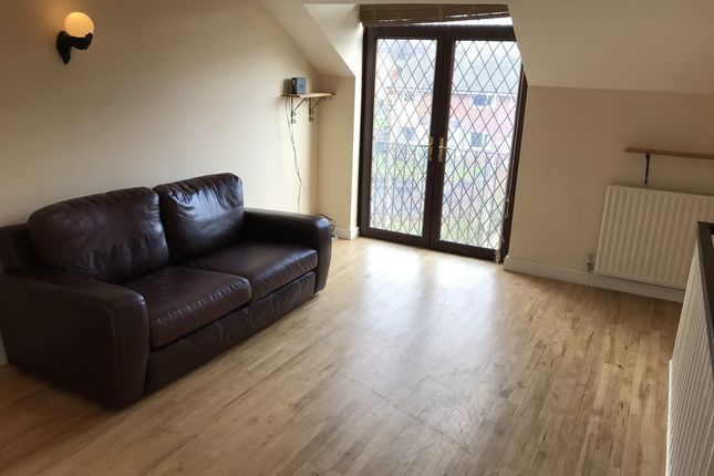 3 bed town house to rent in Crossgate Mews, Stockport