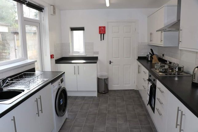 Thumbnail Room to rent in Plane Street, Hull