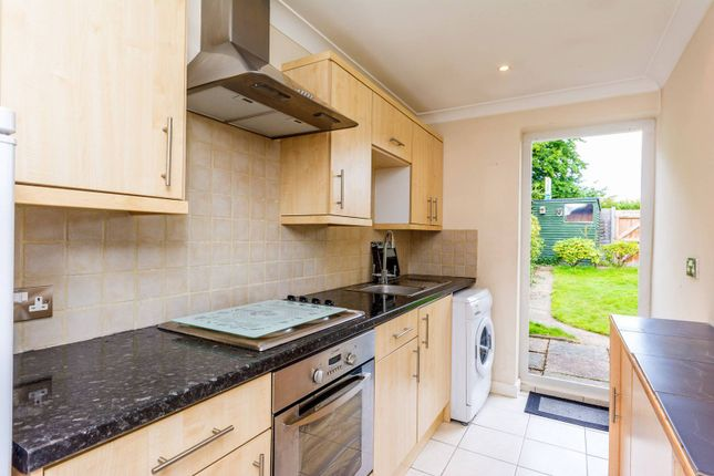 Thumbnail Bungalow for sale in Heythorp Close, Goldsworth Park