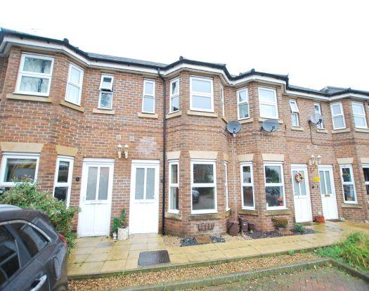 Thumbnail Terraced house to rent in Adaern Close, Leighton Buzzard