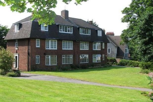 Thumbnail Flat to rent in Victoria Gardens, Palm Grove, Prenton