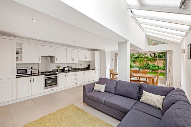 Thumbnail Terraced house for sale in Fernside Road, London