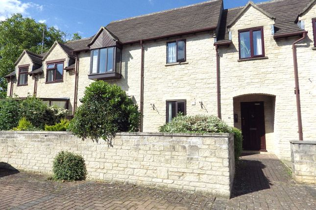 Thumbnail Flat to rent in Langdale Gate, Witney, Oxfordshire