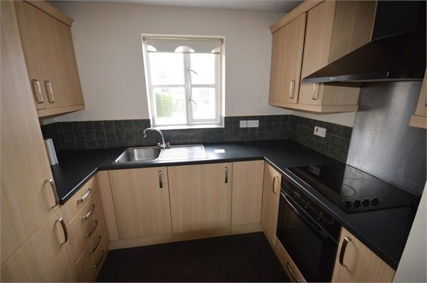 1 bed flat to rent in Gresham Close, Brentwood, Essex