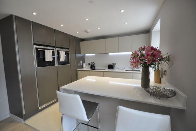2 bed flat to rent in Ashlar Court, Ravenscourt Gardens, Hammersmith