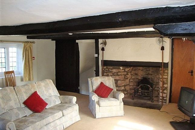 Thumbnail Flat to rent in Old Usk Road, Llangybi