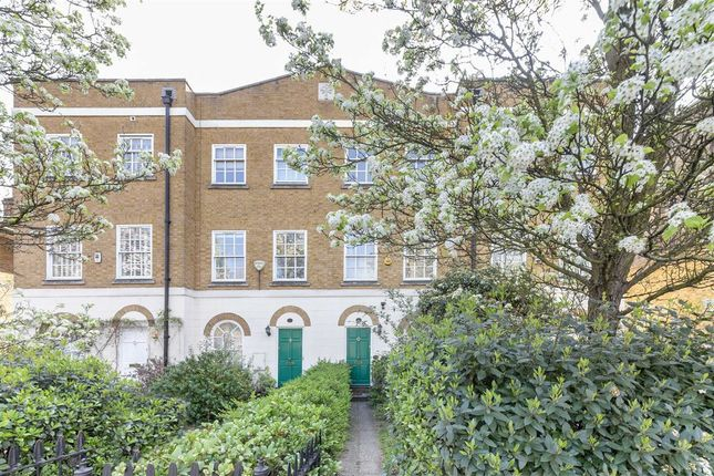 Thumbnail Property to rent in Clapham Road, London