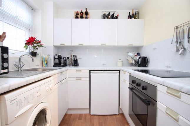 Kitchen of Cudworth Mead, Hedge End, Southampton SO30