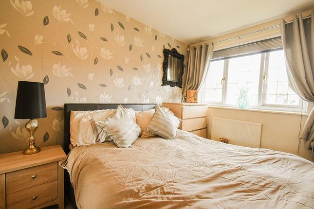 Master-Bedroom of Hembury Close, Middleton, Manchester M24