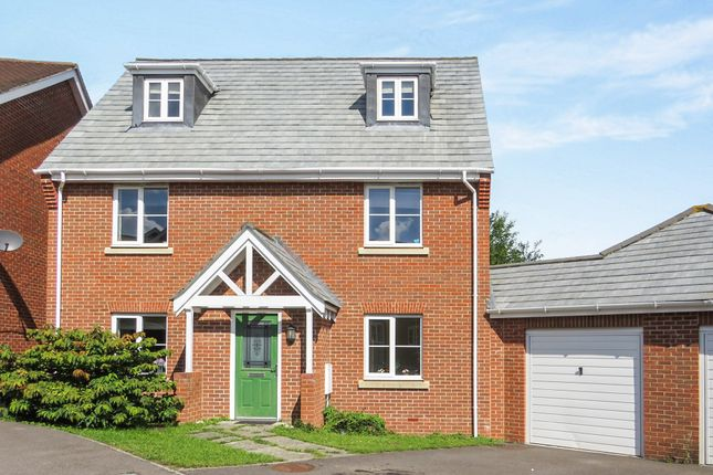 5 bed detached house for sale in Ducketts Mead, Shinfield, Reading
