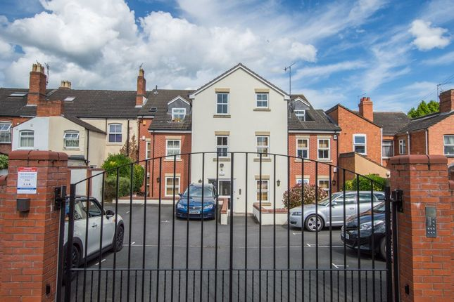 Thumbnail Flat to rent in Orchard Street, Worcester