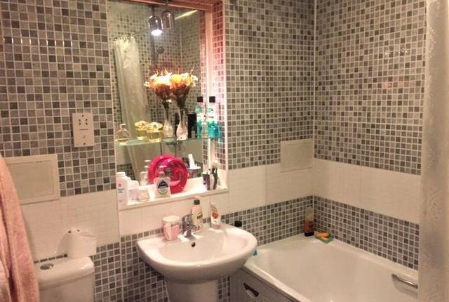 Bathroom of Rose Street, Picardy Court, Aberdeen AB10