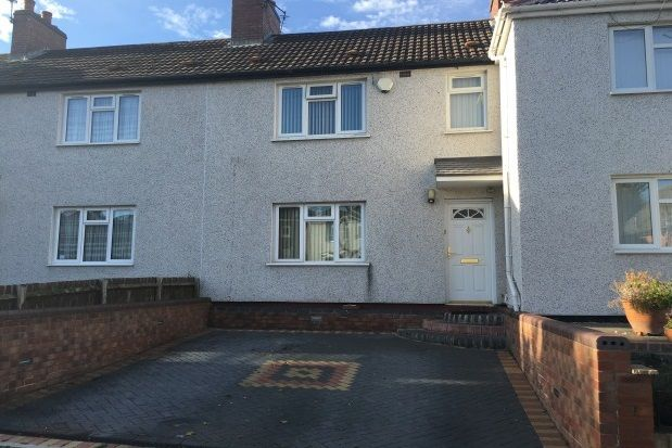 3 bed property to rent in Bunns Lane, Dudley