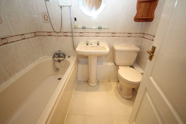Bathroom of Dew Meadow Close, Lower Healey, Rochdale OL12