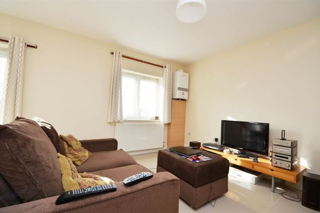Thumbnail Flat to rent in Crossley Mead, Bath Road, Cranford