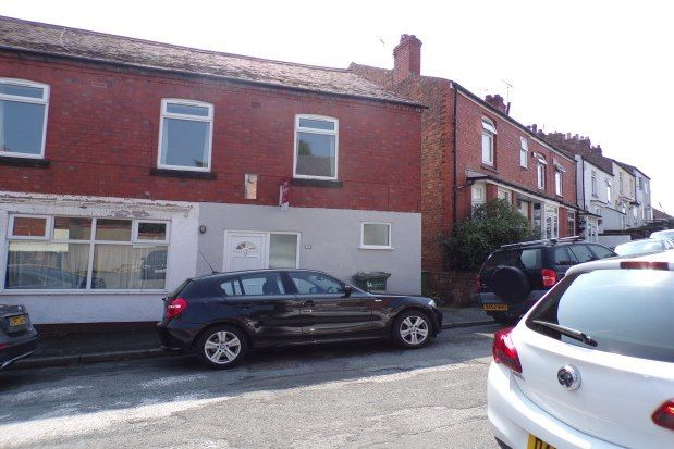 2 bed flat to rent in Heswall, Wirral CH60