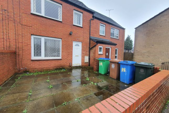Thumbnail Town house to rent in Stonie Heyes Avenue, Rochdale