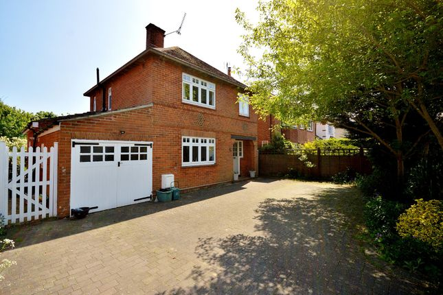 Thumbnail Detached house for sale in Victoria Road, Colchester