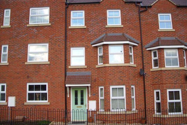 Room to rent in Faulkner Drive, Bletchley, Milton Keynes MK3