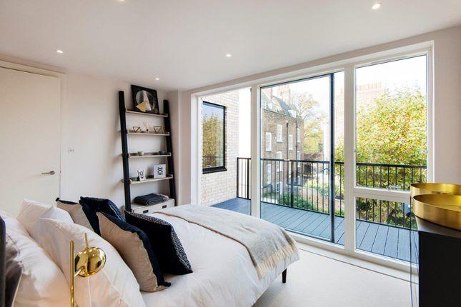 Flat for sale in Millfields Road, London
