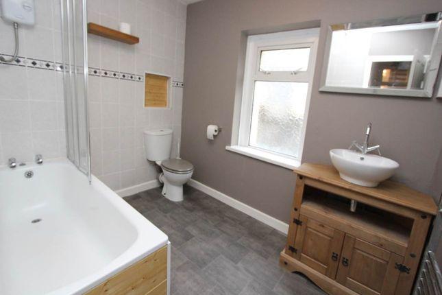 Bathroom WC Shower