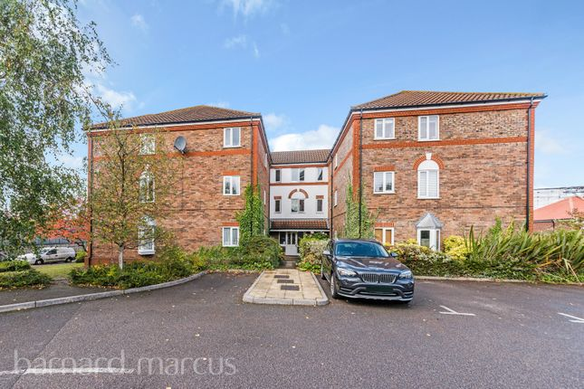 Thumbnail Flat to rent in Rembrandt Court, Stoneleigh, Epsom