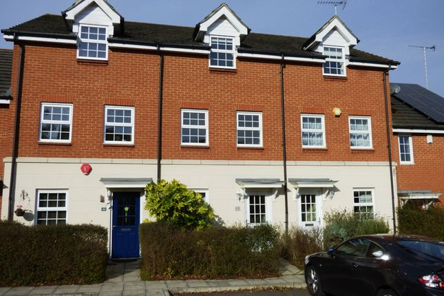 Thumbnail Town house to rent in Jersey Drive, Winnersh