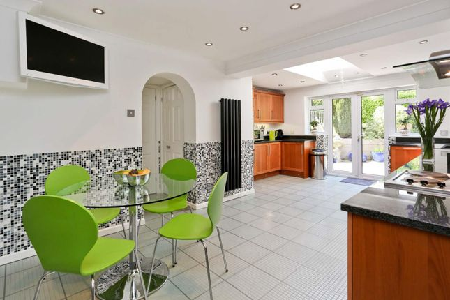 Thumbnail Detached house to rent in Brookside Crescent, Cuffley, Potters Bar