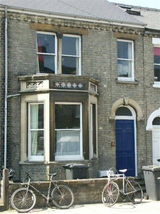 Thumbnail Shared accommodation to rent in 31 Priory Rd, Cambridge