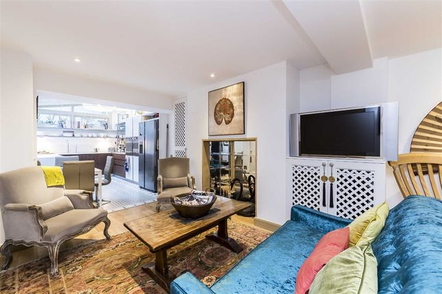 2 bed flat for sale in Cheyne Row, London
