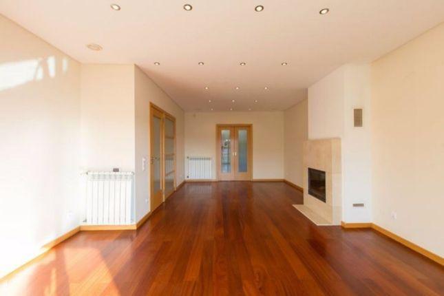 5 bed property for sale in Vila Novada Da Gaia, Silver Coast, Portugal