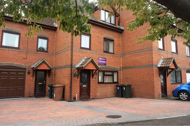 Thumbnail Town house for sale in Longacre Road, Ashford