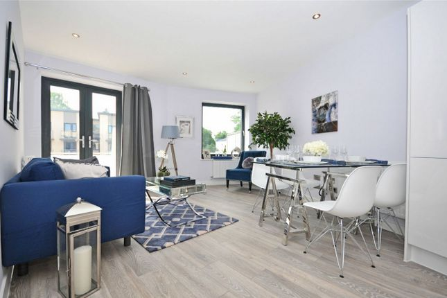 Thumbnail Flat to rent in Montpellier Terrace, Cheltenham, Gloucestershire