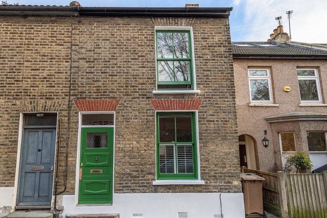 End terrace house for sale in Forest Road, London
