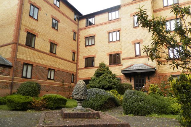1 bed flat to rent in Somerset Street, Redcliffe, Bristol BS1
