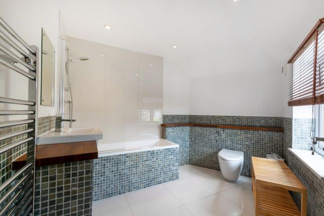 Thumbnail Flat to rent in Glennie Road, West Norwood, London