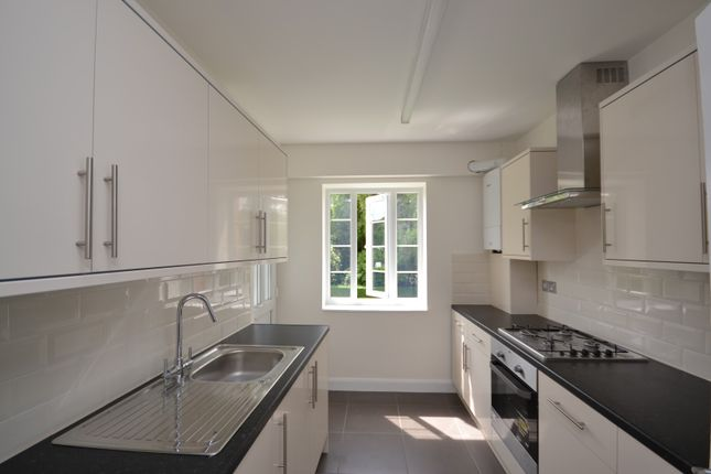 2 bed flat to rent in Monarch Court, Lyttelton Road, East Finchley