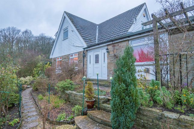 3 bedroom detached house for sale in Wharfedale Rise, Bradford