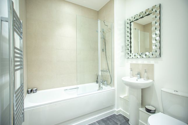 3 bedroom flat for sale in Priory Road, London