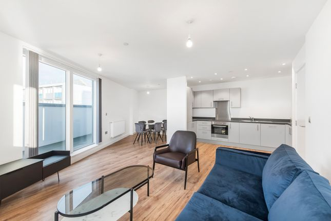 Thumbnail Flat to rent in Blyth Road, Hayes