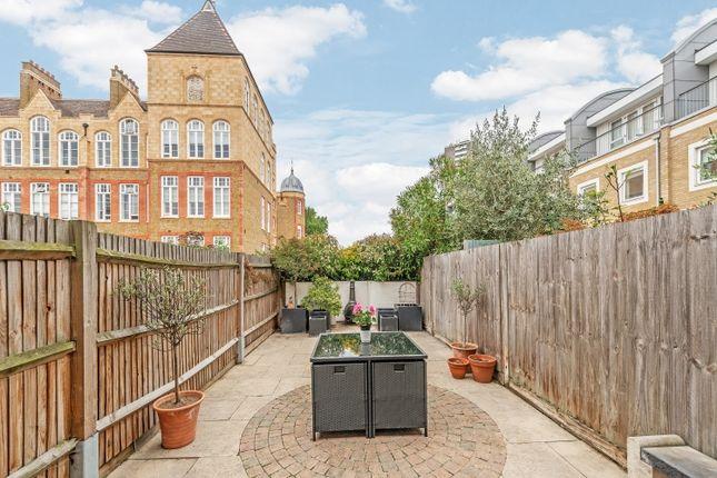 Thumbnail Flat to rent in Sans Walk, London