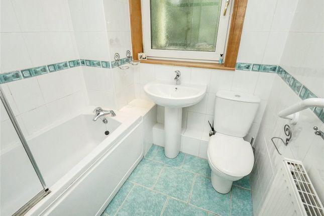 Bathroom of Flat 2/2, Rowantree Gardens, Rutherglen, Glasgow G73