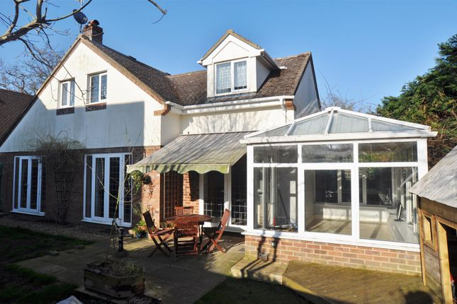4 bed property for sale in Blackhorse Lane, Hitchin