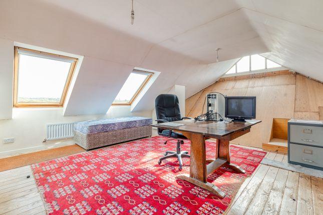 Loft Room/Bedroom