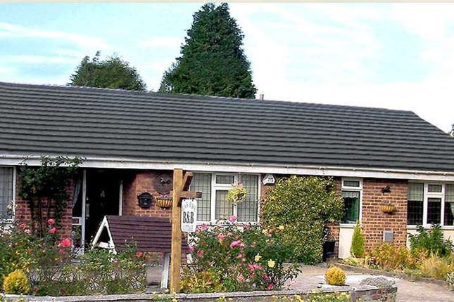Thumbnail Bungalow for sale in High Street Bean, Black Horse Cottage, Kent