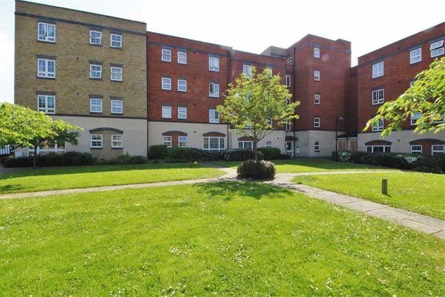 Thumbnail Flat to rent in Holyhead Mews, Cippenham, Berkshire