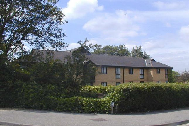 Thumbnail Flat to rent in Gresley Lodge, Old North Road, Royston