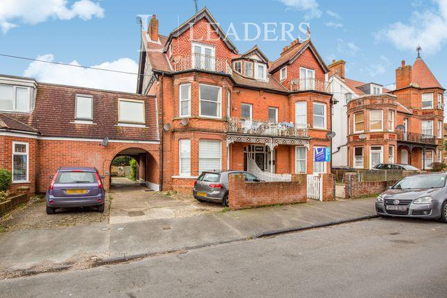 2 bed flat to rent in Queens Road, Felixstowe IP11