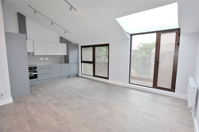 Thumbnail Flat to rent in Taylor Close, London