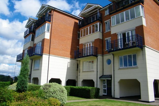 Thumbnail Flat to rent in Shelley Rise, Esplanade, Rochester, Kent